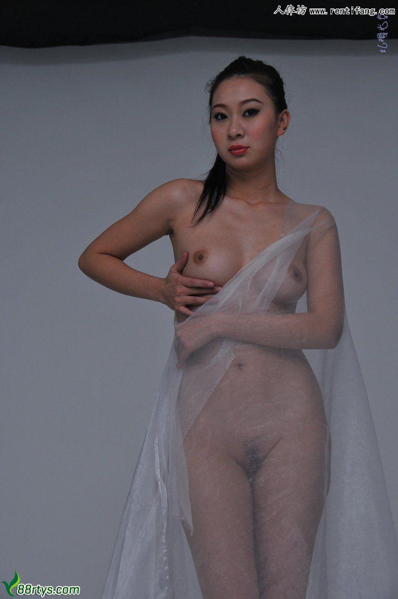 气质美女文文诱人姿态棚拍人体摄影